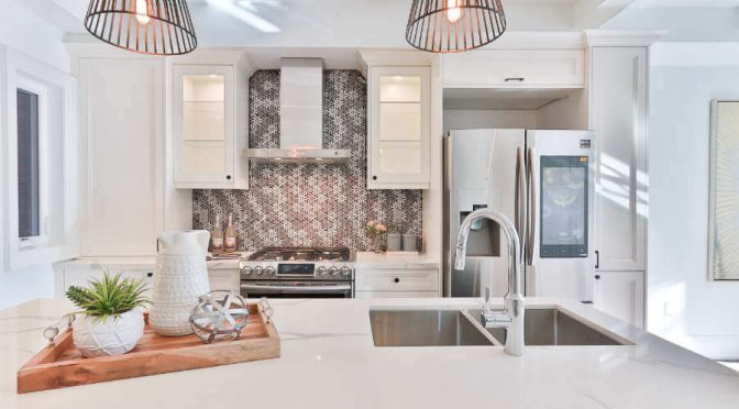 Panele szklane z grafiką pomysł na piękną kuchnię