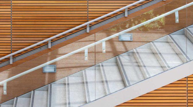 Wybór balustrady – co warto wiedzieć na temat szklanych modeli?
